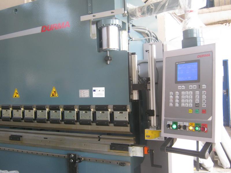 CNC хидравличен абкант преса с лазерна защита DURMA AD-R 30135
