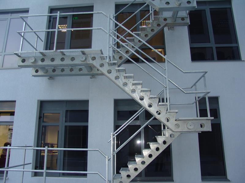 Евакуационна стълба